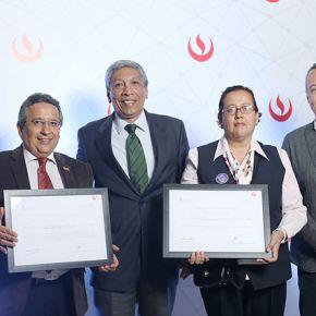 Trilce Salaverry recibe reconocimiento de la UPC