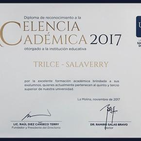 Trilce Salaverry recibe reconocimiento de la USIL